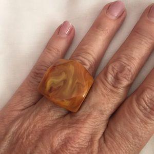 Go-Go ring in Amber Swirl